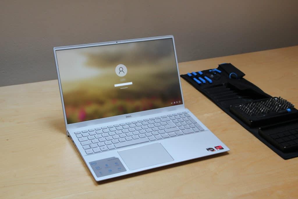 Schrägansicht Dell Inspiron 15 5505